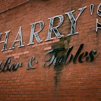 Harrys-bar-and-tables